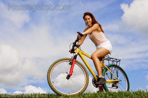 đạp xe rèn luyện cơ thể
