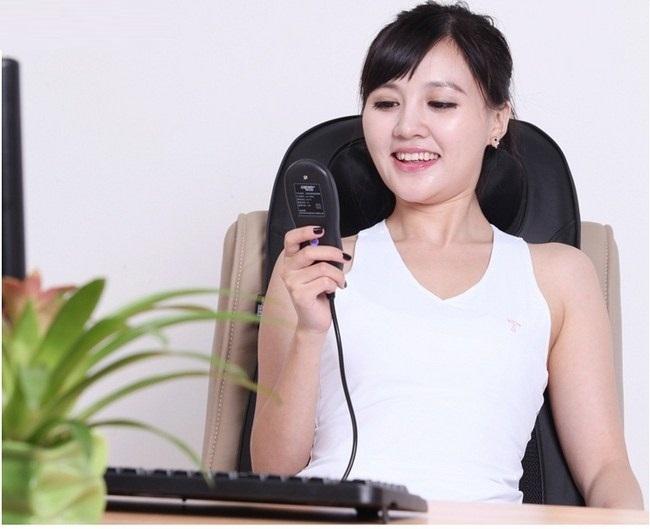Massage thư giãn giảm mệt mỏi với đệm massage