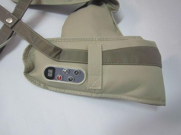Máy massage lưng Upapa Hug điều khiển rất dễ dàng