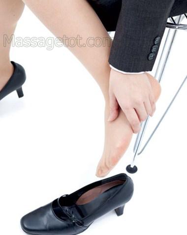 Đi giầy dép chật rất hại cho chân