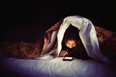 Sử dụng thiết bị công nghệ sẽ làm cho bạn khó ngủ