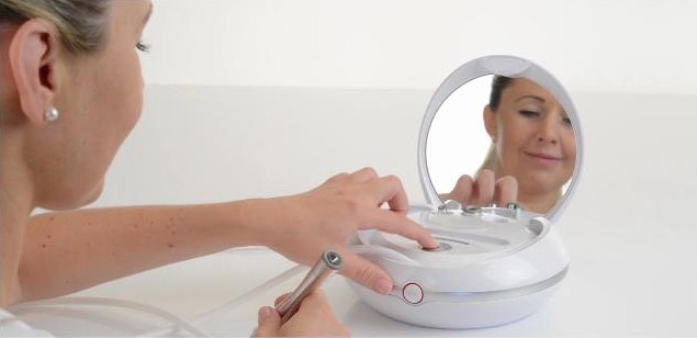 Máy trị liệu da mặt Beurer FC100 - VietMart